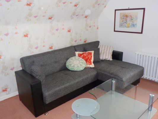 Wohnzimmer (Schlafcouch/-sessel)